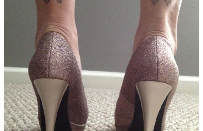 bow tattoo stiletto shoes