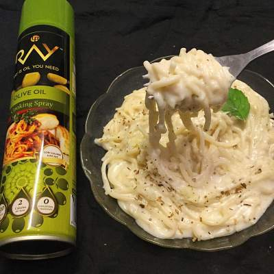 Spaghetti in a white sauce using Ray olive oil cooking spray.