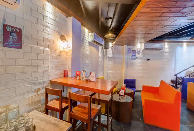 Want to plan the perfect date night over good food and sheesha? Check out this place!