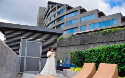 Play golf, enjoy breakfast in bed or go partying at this gorgeous hotel in Pune.