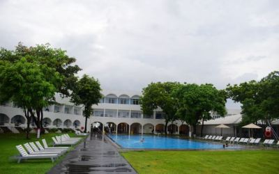 Exploring Sri Lanka with Cinnamon Hotels. Colombo, Kandy & Trincomalee.