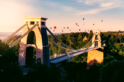 The Ultimate Bristol Travel Guide – Things to do, eat and see in Bristol!