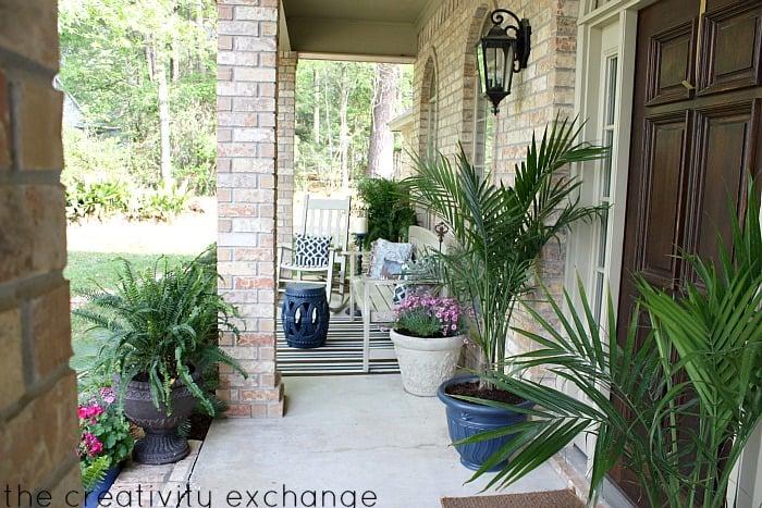DIY Front Porch Revamp Ideas {The Creativity Exchange}
