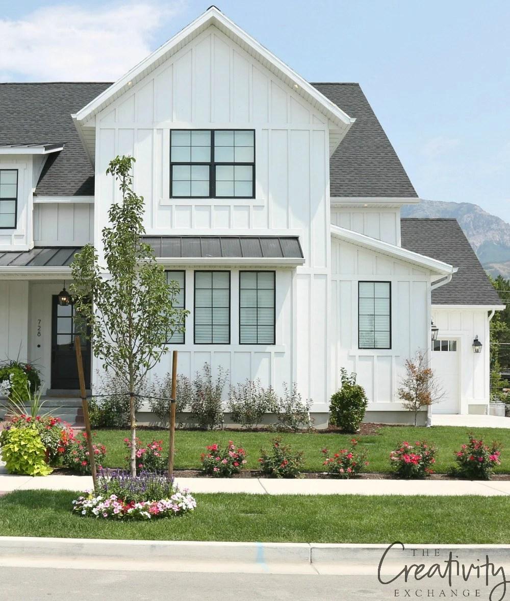 How Modern Farmhouse Exteriors are Evolving on Modern House Siding Ideas  id=26549
