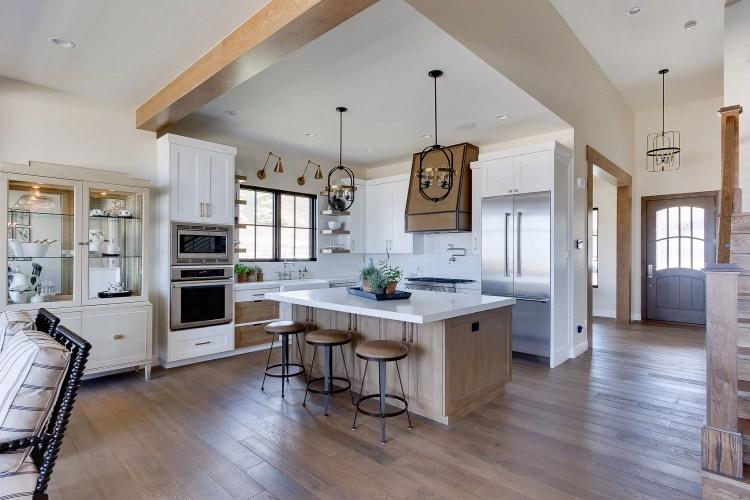 Modern farmhouse Living Room. Simons Design Studio