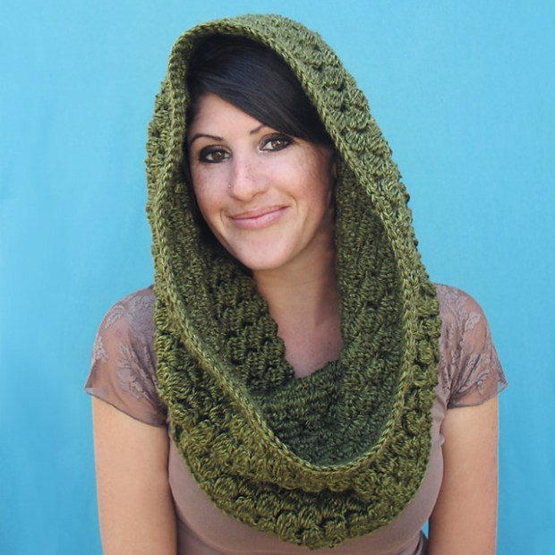 Pinecone Cowl by Gleeful Things