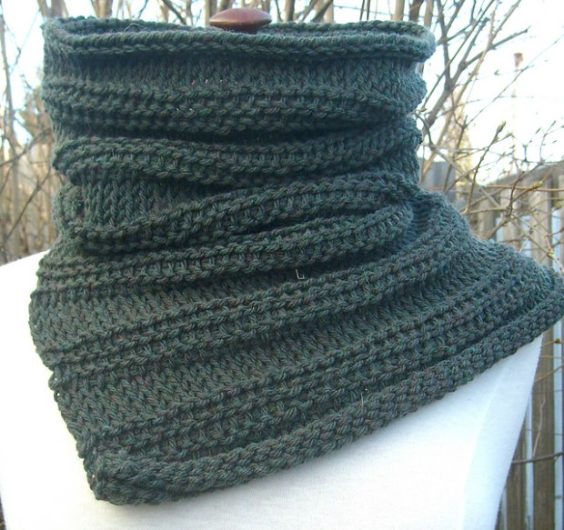 The Obstinate cowl by ACCROchet