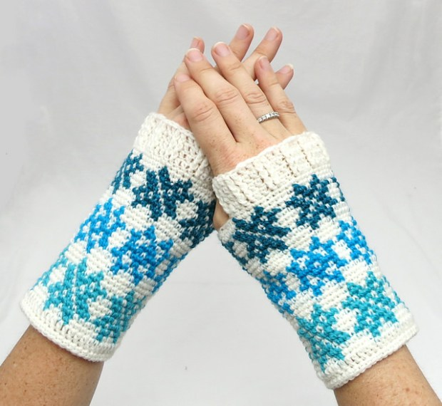 Falling Snowflakes Mitts by Crochet Ever After