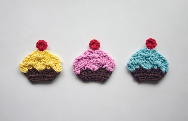 Cupcake Applique by One and Two Company