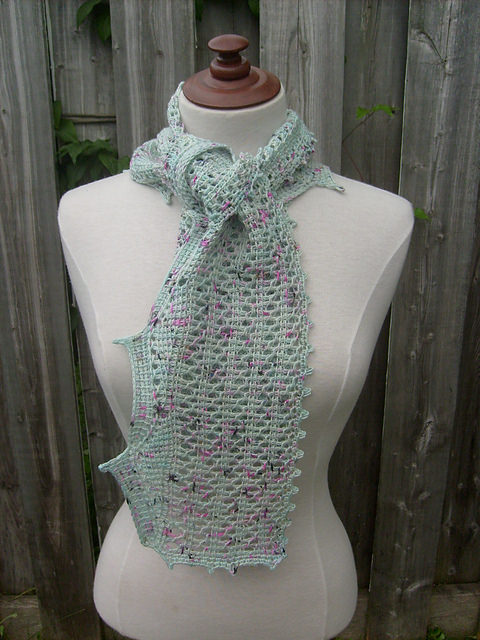 Ocean Geometry Scarf by ACCROchet
