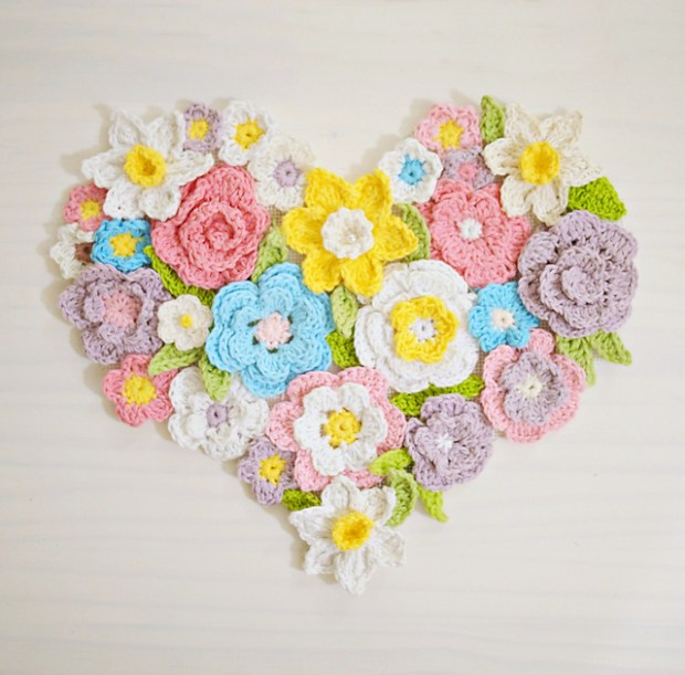 Flower heart wall decor by Accessorise