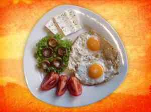 plate-eggs-fruit-cheese
