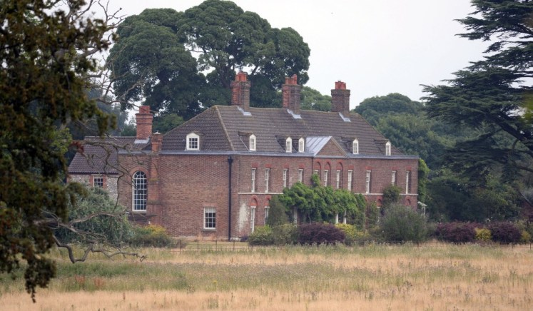 Anmer Hall, the country home of The Duke and Duchess of Cambridge, now has a no-fly zone. I-images