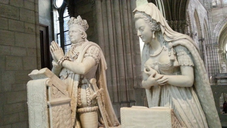 The tomb of Louis and Marie Antoinette at Basilique St Denis. (Julien)