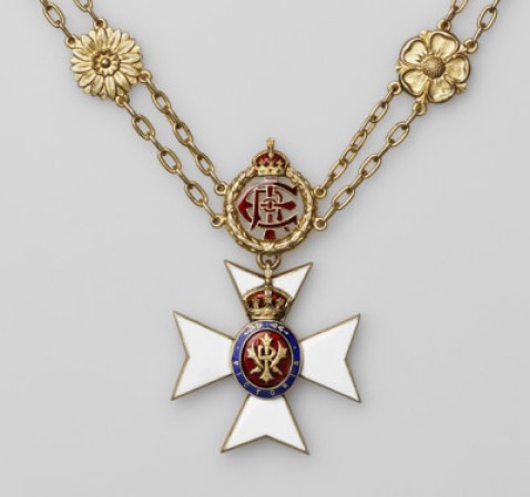 A closer look at the badge of The Royal Victorian Chain. Moscow Kremlin Museums