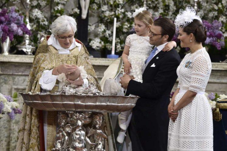 Oscar is christened. (Kunghuset)