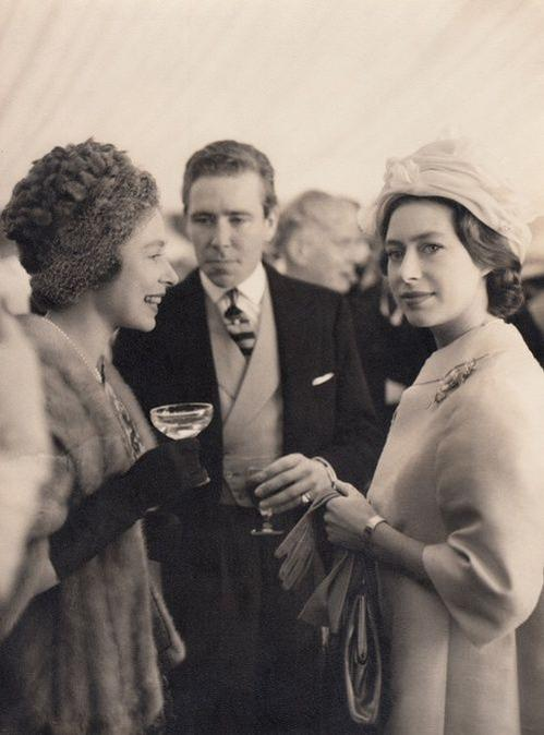 Princess Margaret S Husband Lord Snowdon Has Died The Crown