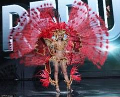 2F81123A00000578-3368439-Miss_Dominican_Republic_Clarissa_Molina-a-146_1450673820208
