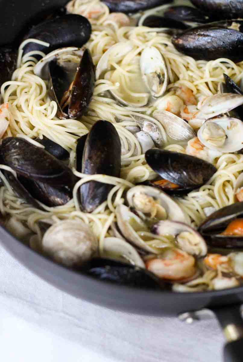 Easy Seafood Pasta with White Wine Butter Sauce