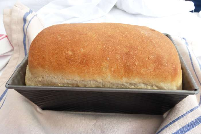 Simple White Loaf Bread (anyone can make)