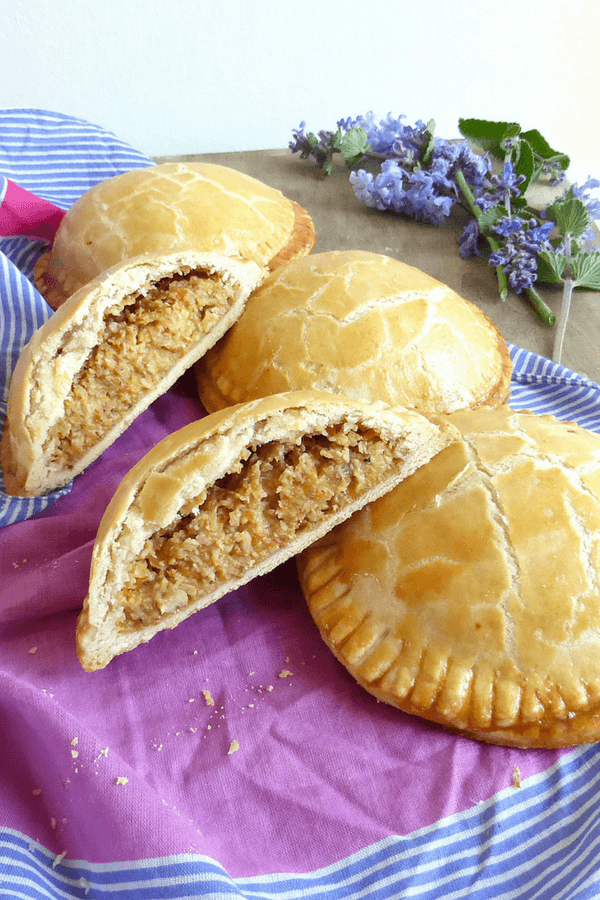 Individual Chicken and Ham Pies (with homemade pastry)
