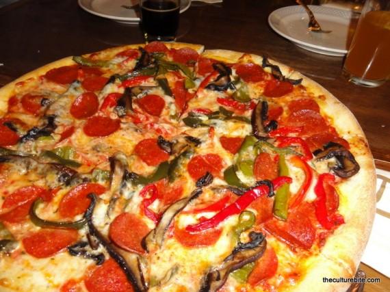 Pi Bar Bell Pepper Mushroom Pepperoni Pizza
