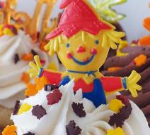 harvest greetings cupcakes