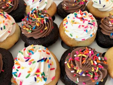 sprinkle surprise cupcakes
