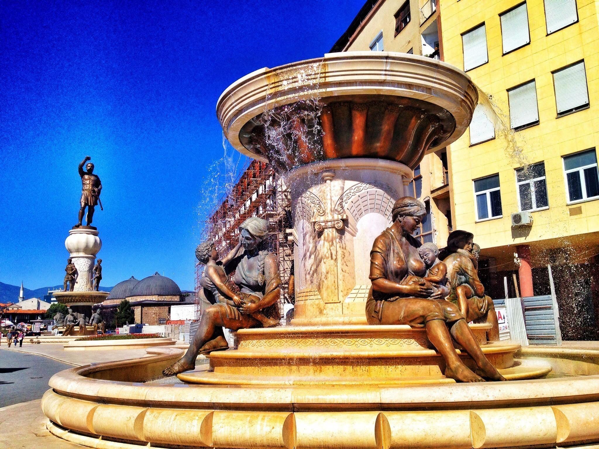 Skopje - the city of statues 48