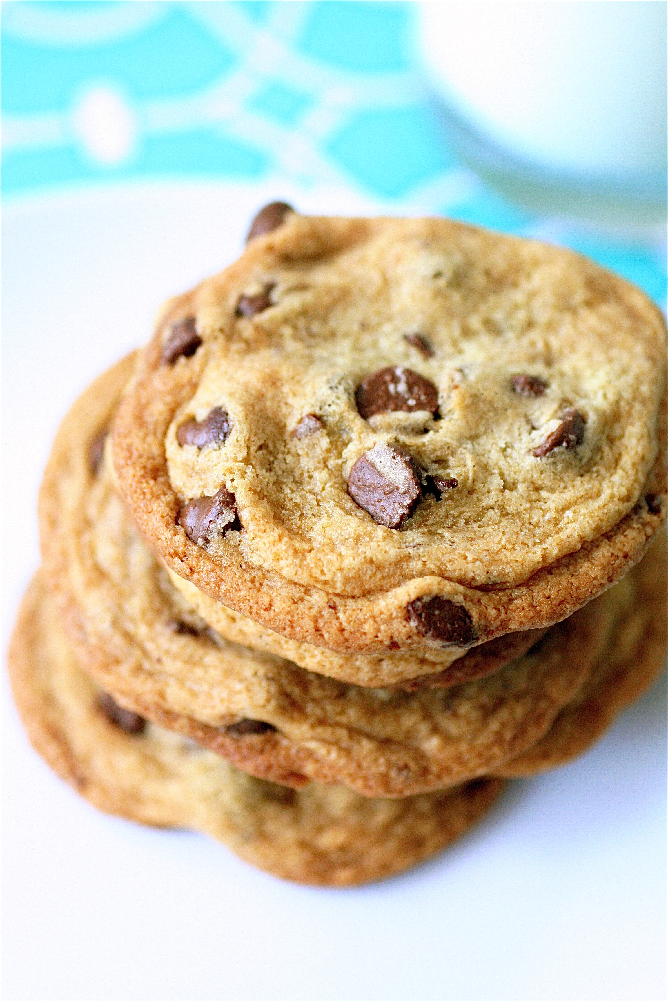 Thin And Crispy Chocolate Chip Cookies The Curvy Carrot