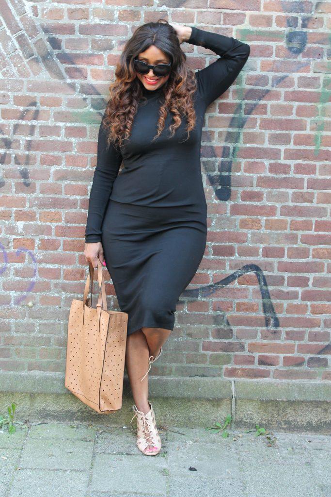 curvy fashion blogger