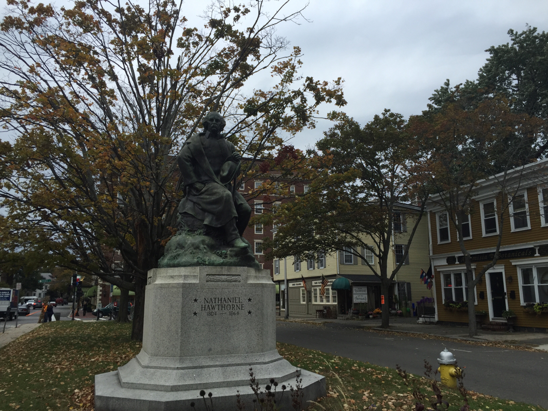 ghost hunting in Salem Massachusetts