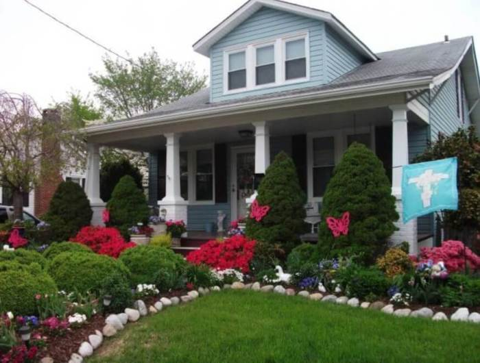 Spring Cottage Garden - front yard ideas