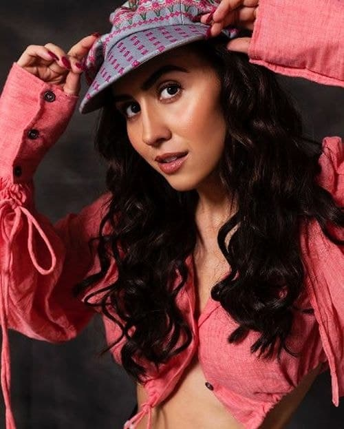 Lauren Gottlieb Body Measurements?