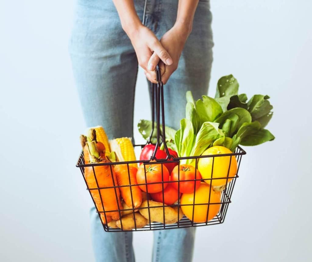 boodschappenmandje met gezonde producten