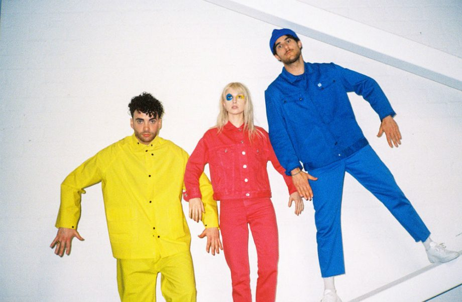 "[LISTEN] Paramore - ""Hard Times"""
