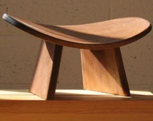 ikuko wooden meditation bench