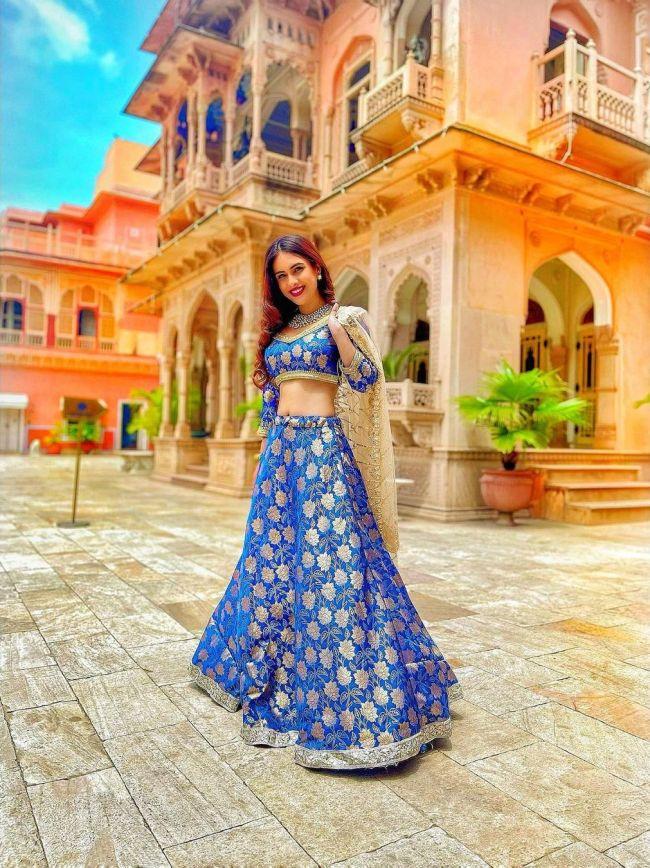 Neha-Malik-Blue-Lehnga