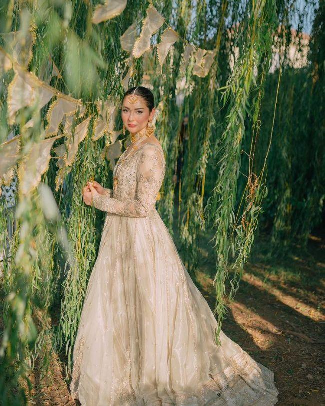 Hania-Amir-Bridal-Dress