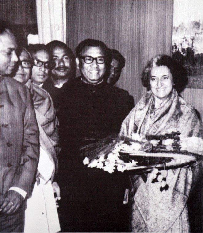 In a meeting with Indira Gandhi. Photo Courtesy: Simin Hossain Rimi