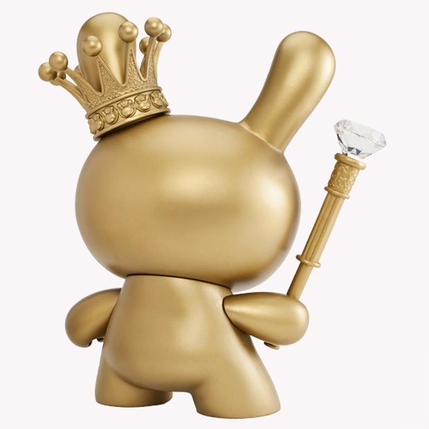 Kidrobot-8-Inch-Gold-King-Dunny-3
