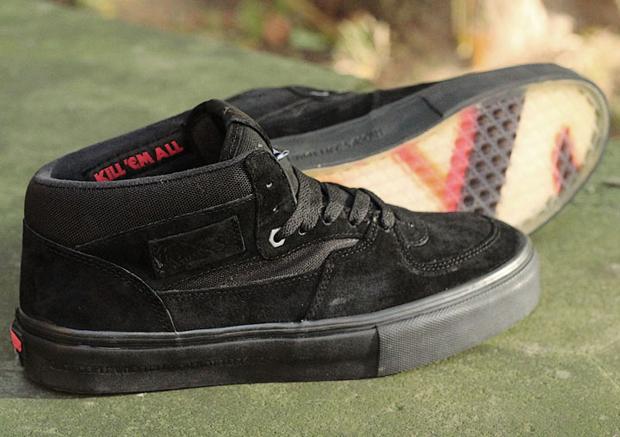 6ea611939b Vans x Metallica
