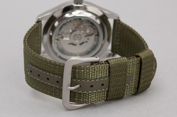 Seiko-5-Series-Made-in-Japan-Military-Watch-03
