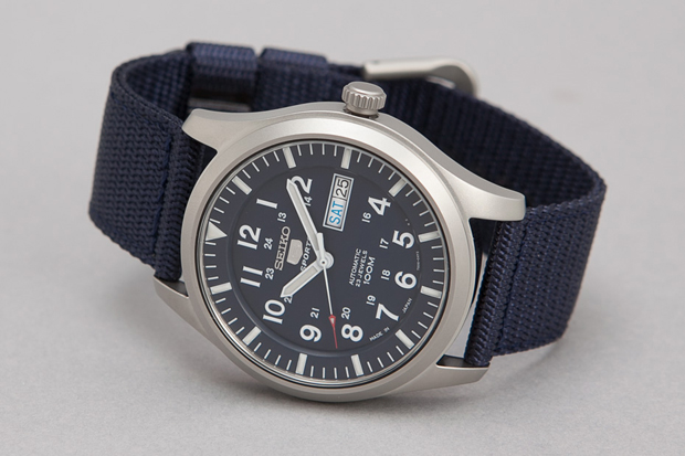 Seiko-5-Series-Made-in-Japan-Military-Watch-08