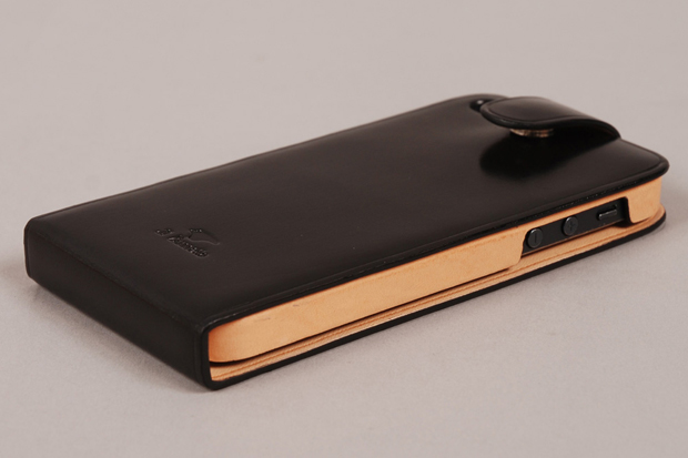 Il Bussetto Leather Flip iPhone 5 Case 01