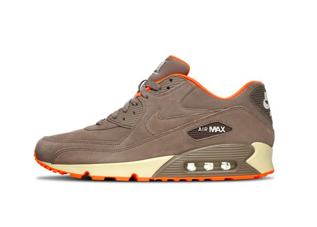 Nike Air Max HomeTurf Series 10