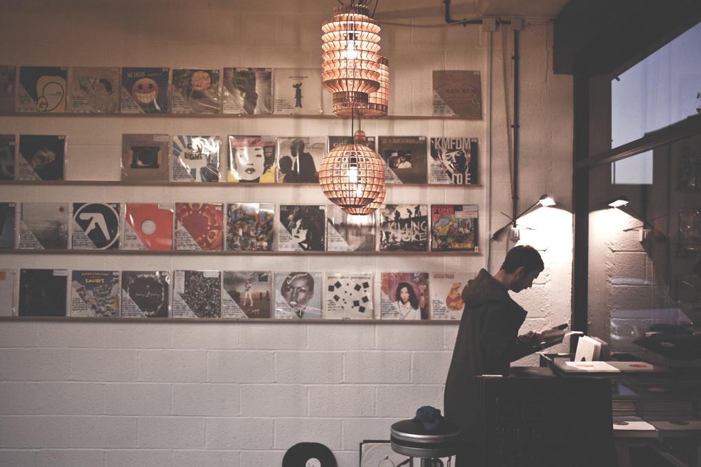 Walls of Wax - Meet the Vinyl Pimp - Discogs biggest record seller-6