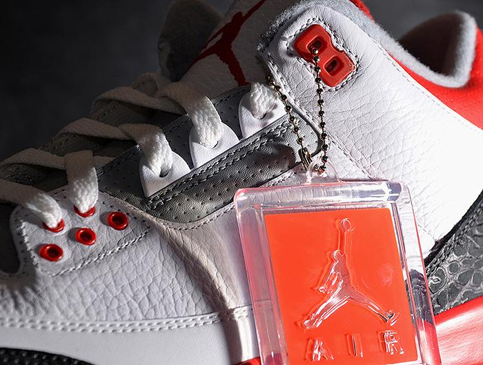 Air-Jordan-III-Fire Red-2013-Retro-01