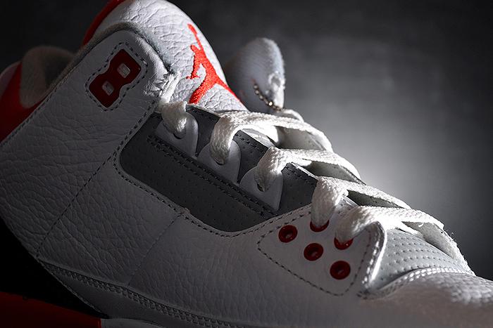 Air-Jordan-III-Fire Red-2013-Retro-03