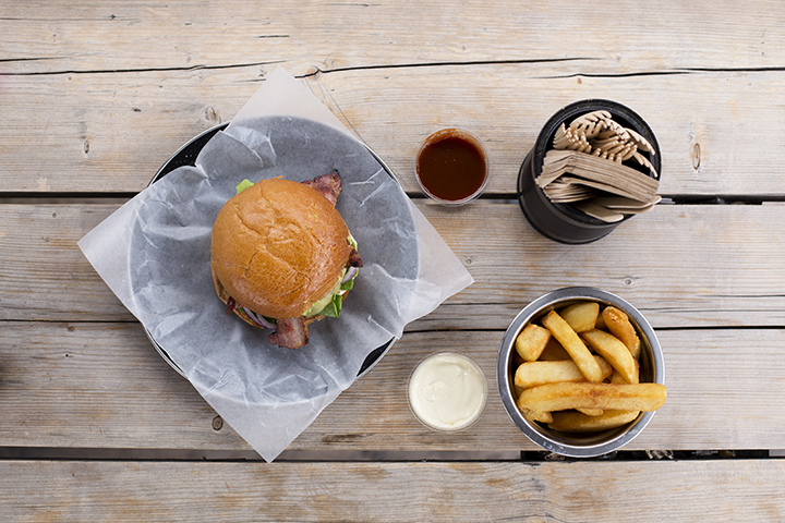 The Daily Street Burger by Bukowski Grill 01
